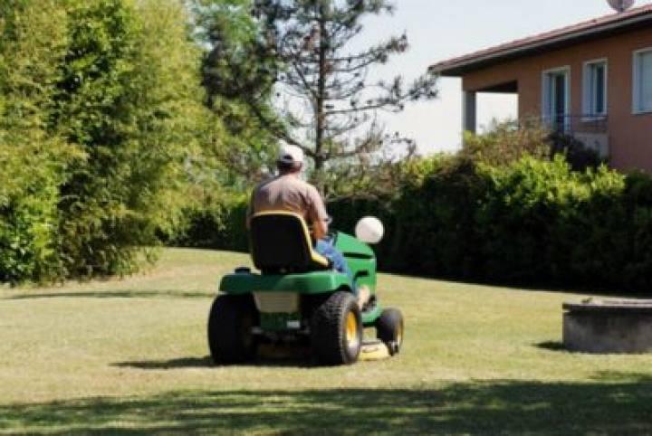 Service la personne asap paysage poitou charentes 86 for Entretien jardin service a la personne